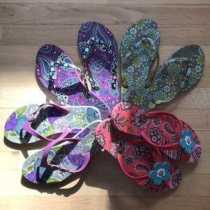 4 pairs of Gently used vera Bradley flip-flops
